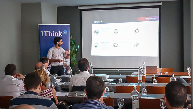 """José Luis Montero, Business Manager d'IThinkUPC durant la seva ponència """"Després del disseny i del setup, què?"""""""